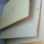 シナべニアと呼ばれる棚板などによくつかわれる合板の掃除方法