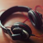 音楽を聴きながら掃除をするとモチベーションが上がる?