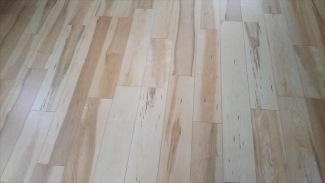 マット調の床材